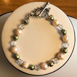 Jewelry - Fresh water pearl bracelet